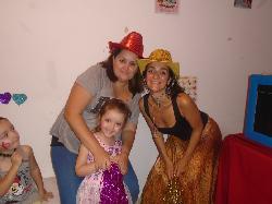 Con la mamá y la tía para el show!