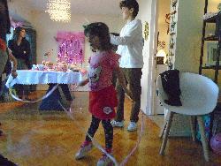 Baile con cintas.